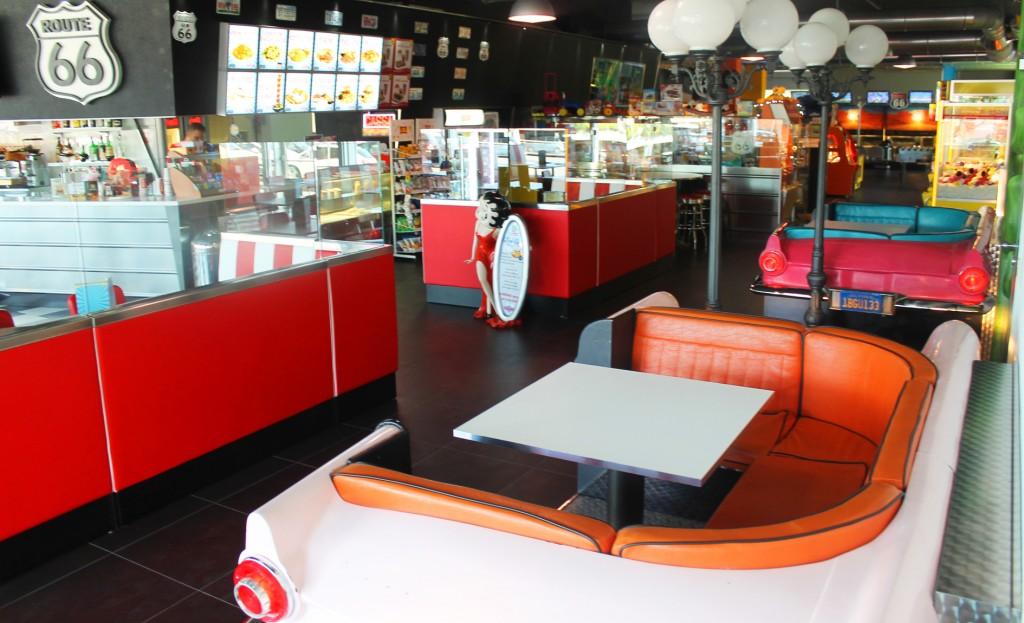 slide-home-diner-3